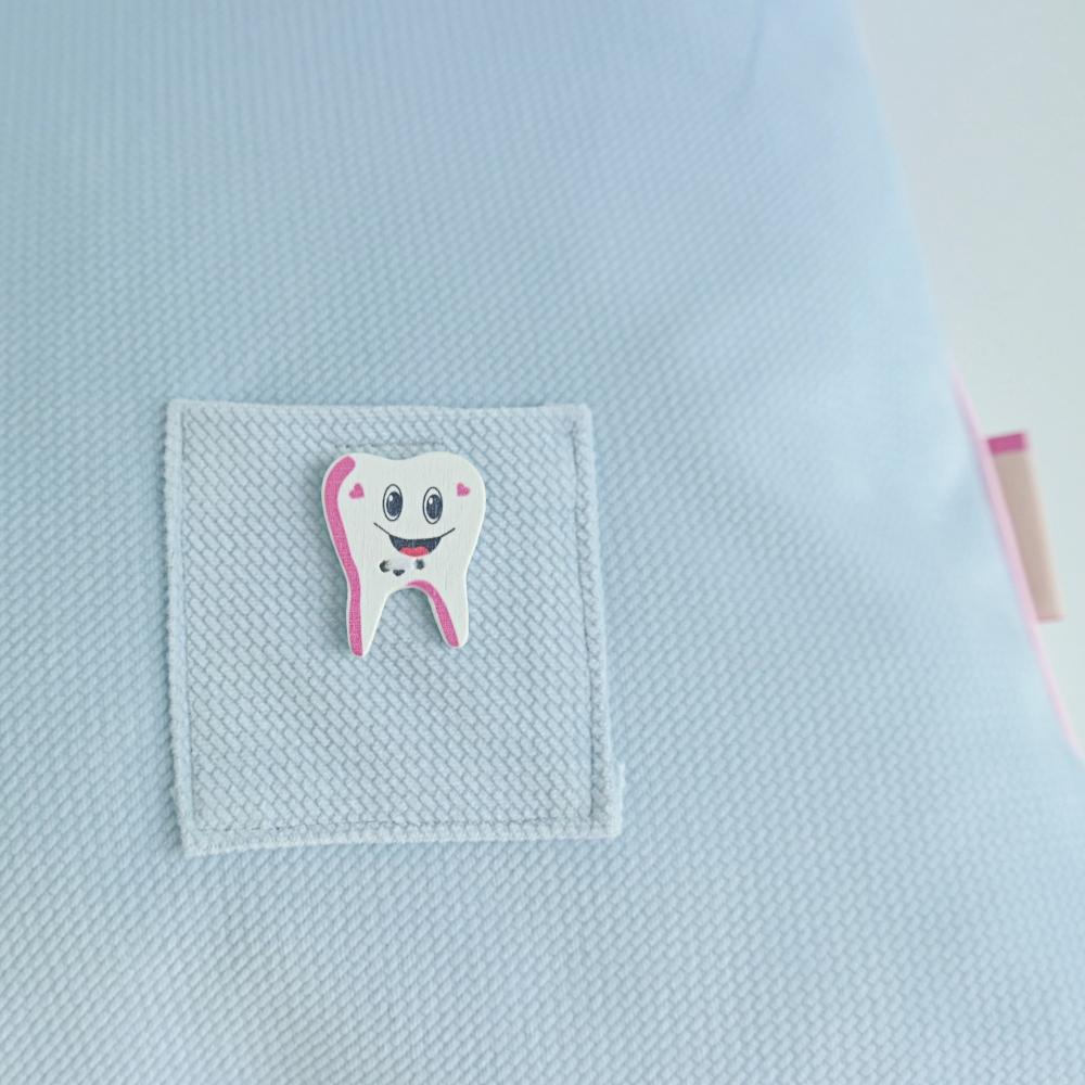 Poduszka z kieszonką na ząbek dla chłopca