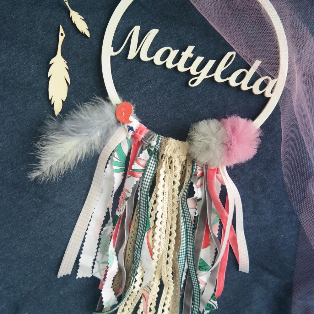 Matylda łapacz snów z imieniem, kolory różowy, szary i zielony