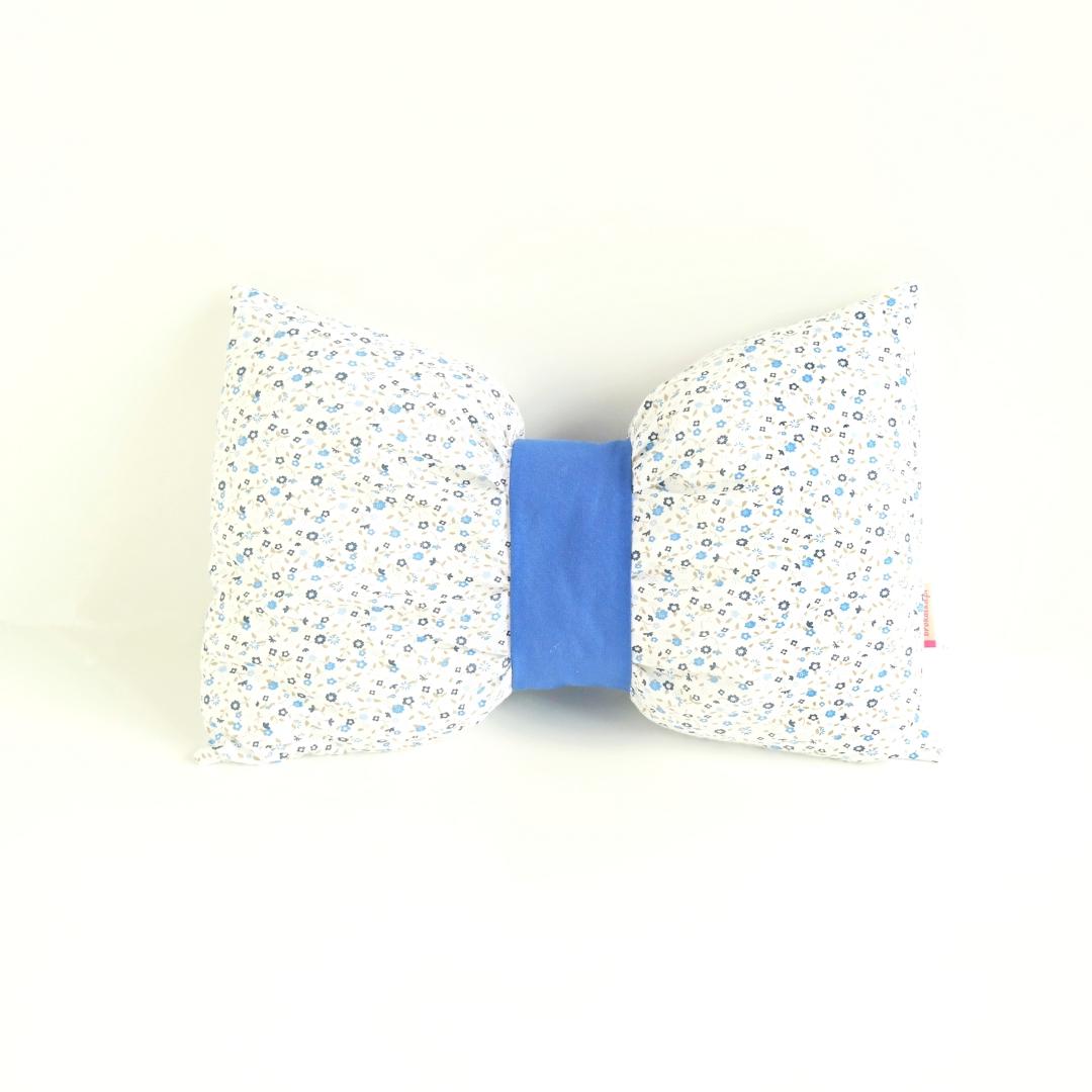 poduszka kokarda niebieskie kwiatki