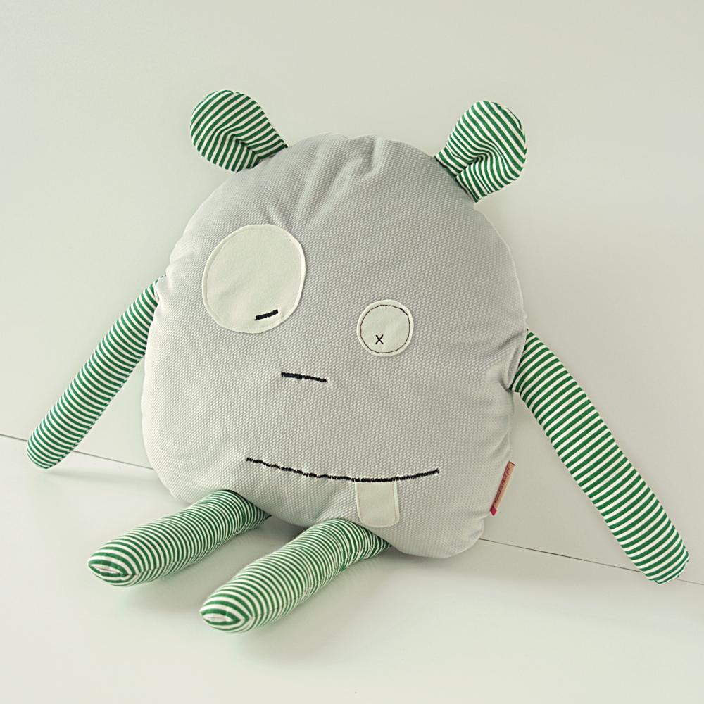 poduszka dekoracyjna potworek hand made
