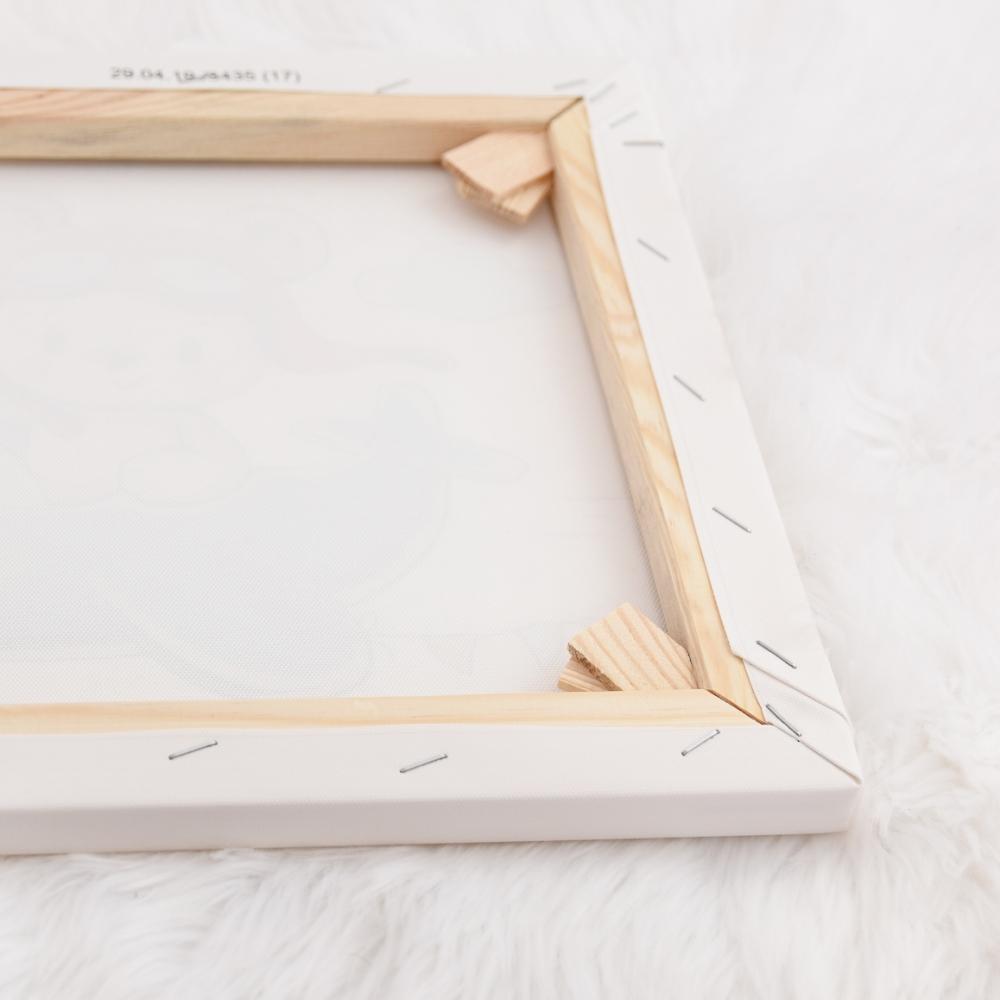 drewniana rama obrazu drukowanego na płótnie