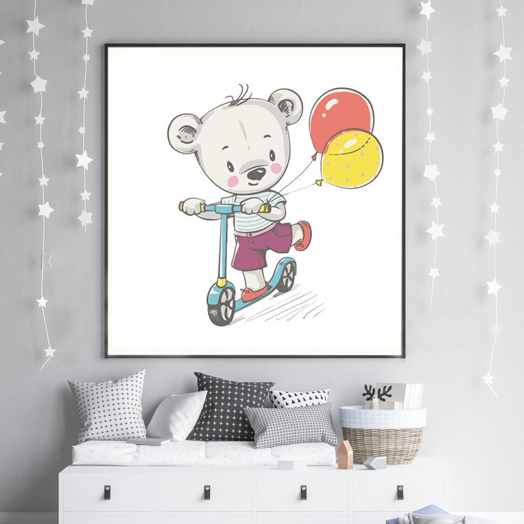 obrazek do pokoju chłopca misiu na hulajnodze z balonikami